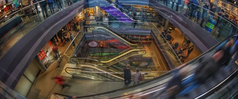 Consuimdores en un mall